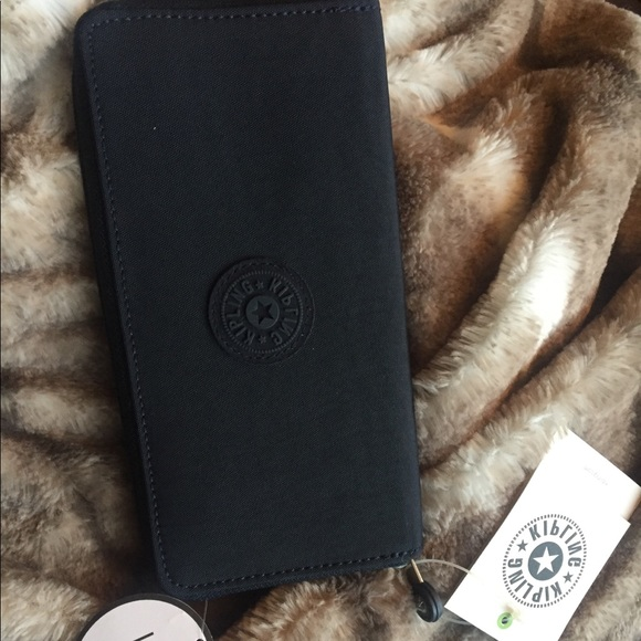 Kipling Handbags - Kibling Wallet brand new